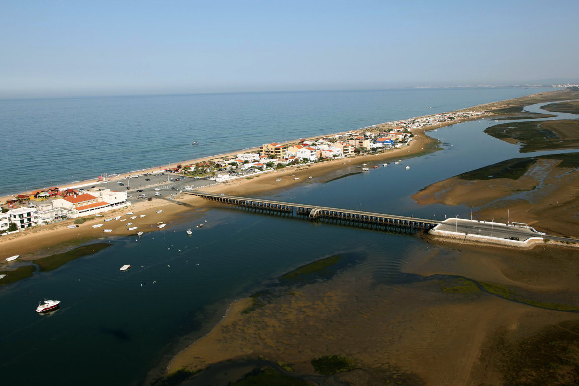 Bridge to Faro beach