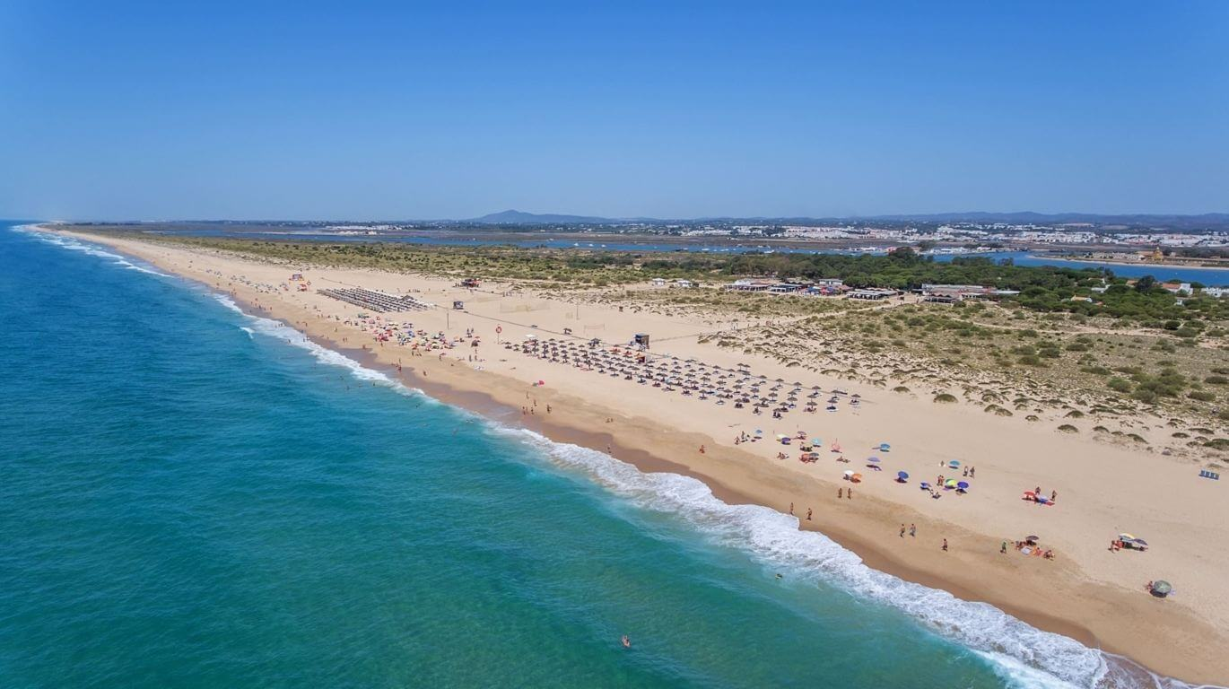 Ilha de Tavira: The Complete Guide to The #1 Island of the Algarve