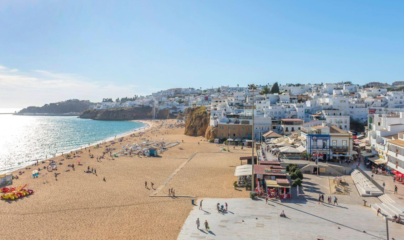 Praia dos Pescadores with the old town of Albufeira in the background