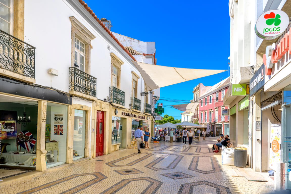 Shopping street in the centre of Faro