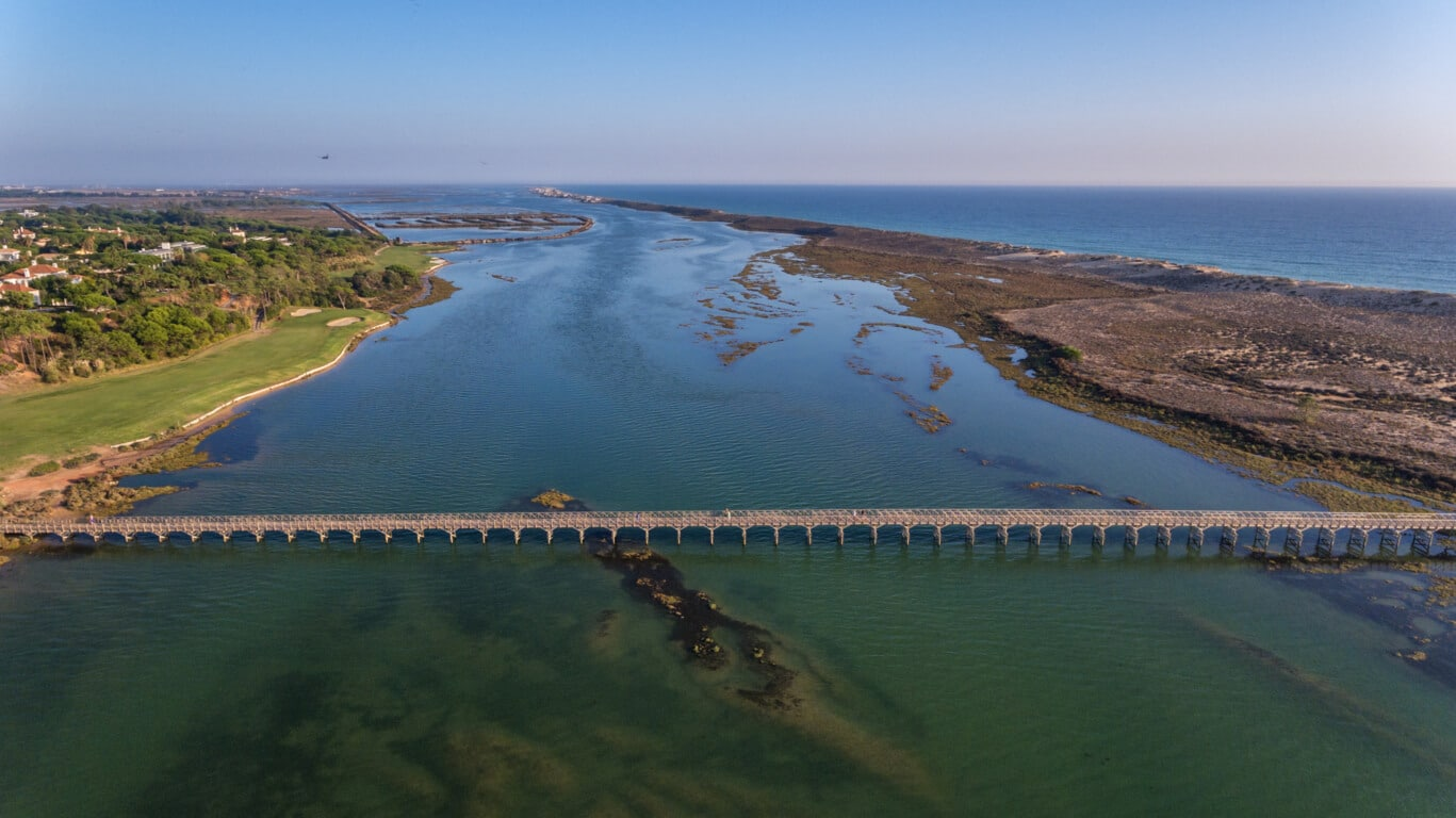 Bridge towards Praia da Quinta do Lago