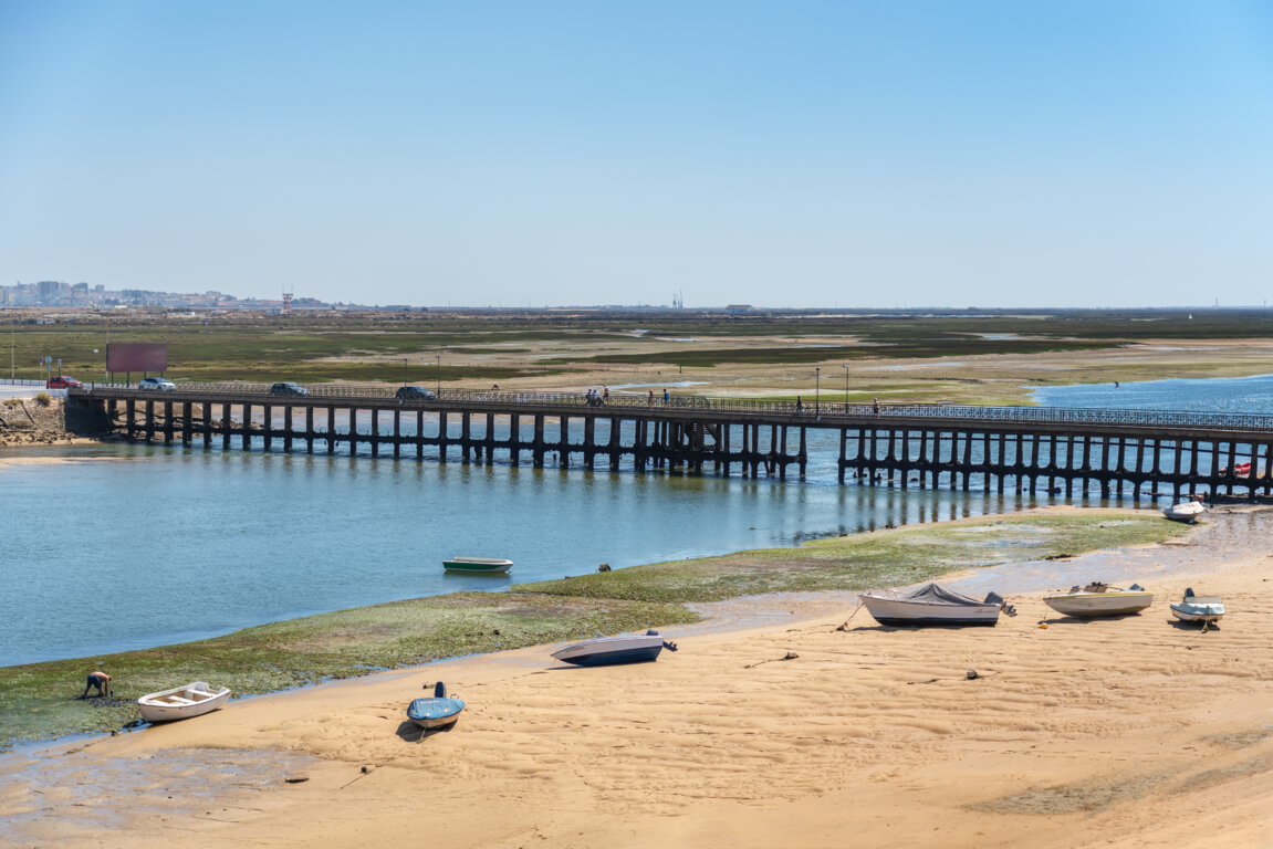 Bridge towards Praia de Faro