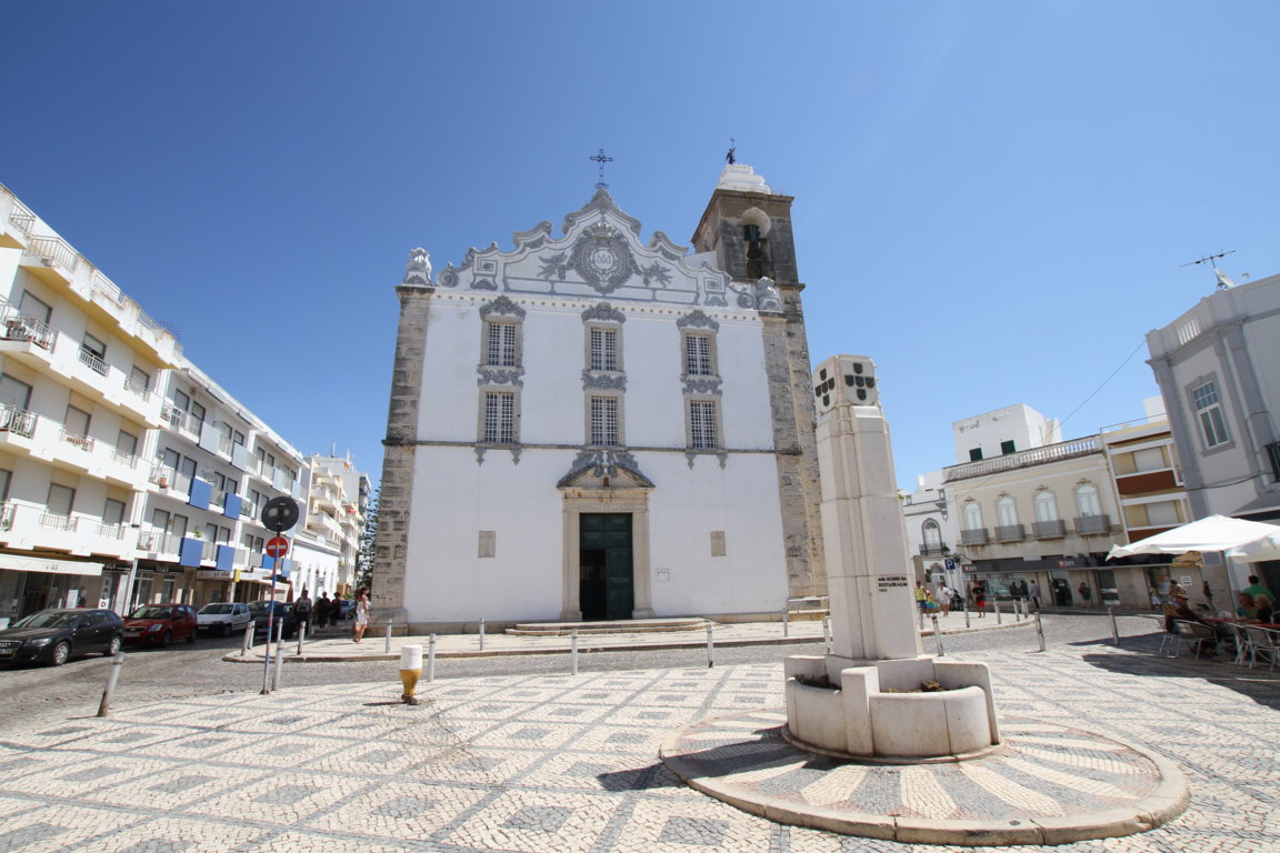Our Lady of the Rosary Church in Olhão
